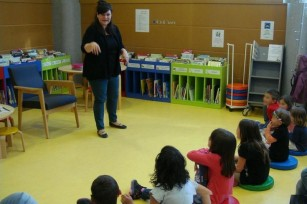 Stories and talks in English in libraries